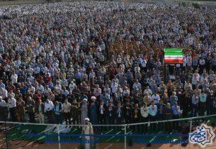 نماز عید فطر با حضور شکوهمند روزه داران در شاهین شهر برگزار شد