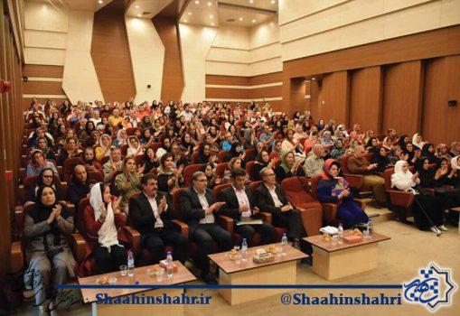 حضور پرشور و چشمگیر دوستداران شعر و ادب پارسی در بزرگداشت مولانا