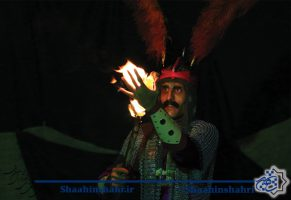 سوگواره حسینی با نمایش خیابانی ردای سرخ خورشید