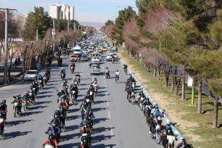 گزارش تصویری از راهپیمایی پرشور موتوری و خودرویی ۲۲ بهمن در شاهین شهر
