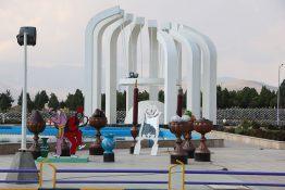 گزارش تصویری از المان های نوروزی در شاهین شهر